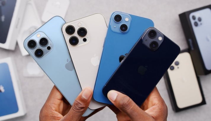 Marques Brownlee Gives His First Impressions Of The iPhone 13 Right Out Of The Box