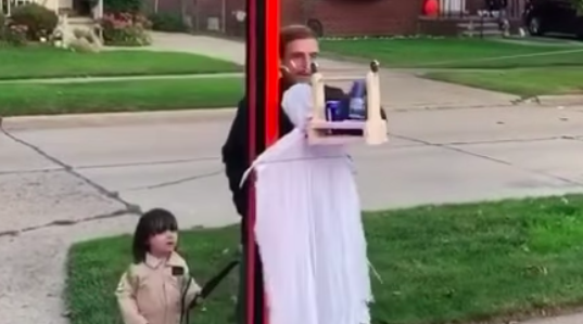 This Family's Halloween Zip Line Idea Is Absolutely Brilliant