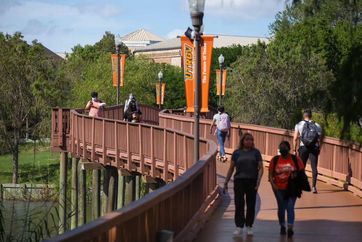 UT Rio Grande Valley To Offer Free Tuition For Students With Family Income Less Than $100k