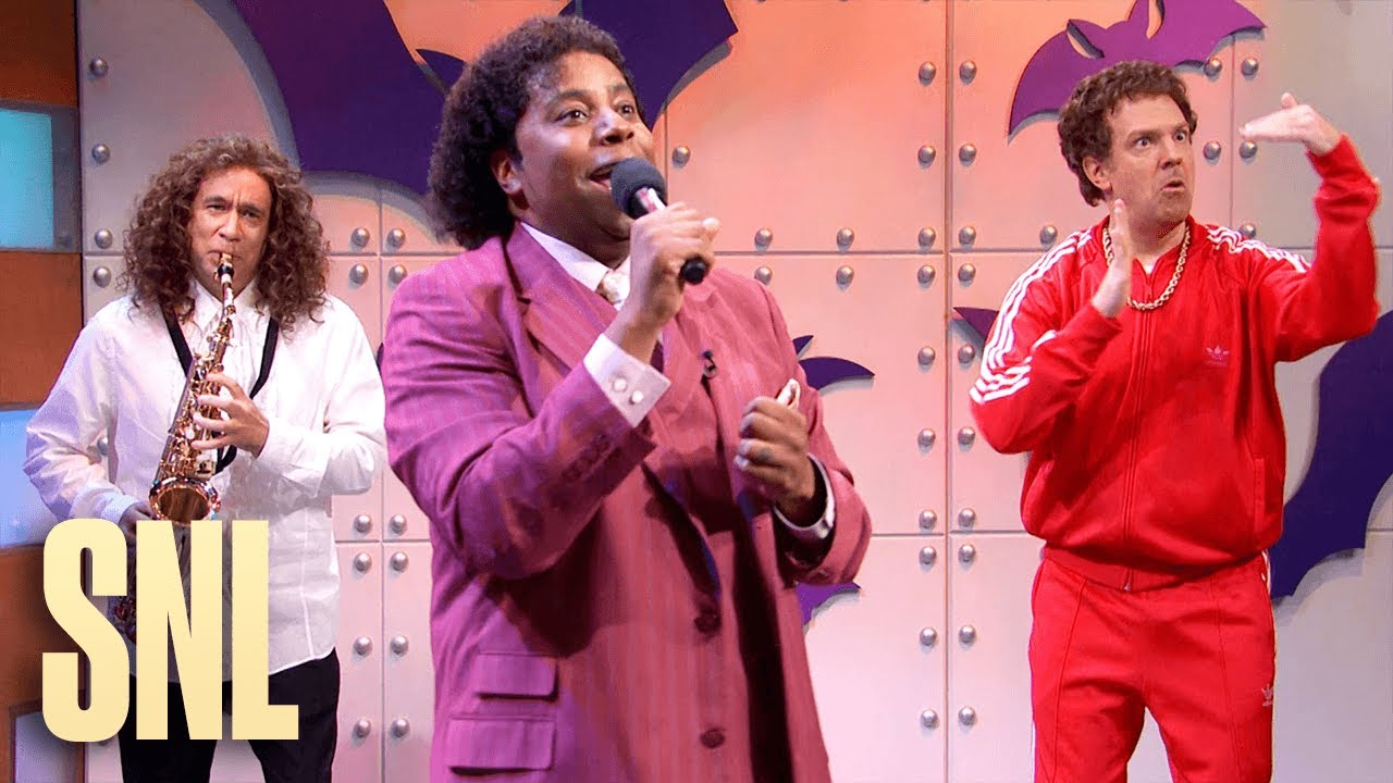 Jason Sudeikis Brings Back His Back-Up Dancer On A Star Studded 'What Up With That' Performance On 'SNL'
